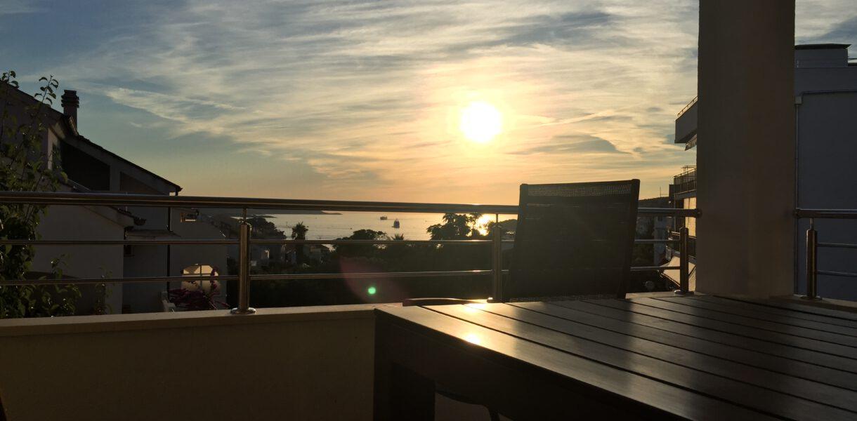 Ausblick Terrasse Sonneuntergang